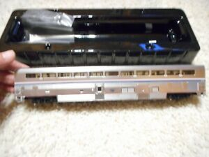 HO SCALE WALTHERS PROTO 85' P-S SUPERLINER I COACH-BAGGAGE AMTRAK PHASE IVb