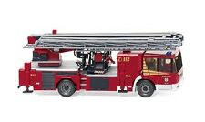 """Feuerwehr - Hubrettungsbühne Metz B32 (MB Econic) """"Straelen"""" Wiking 062847 1:87"""
