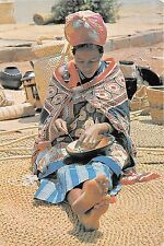 BG9313 swaziland at one of the swazi markets women threads beads types folklore