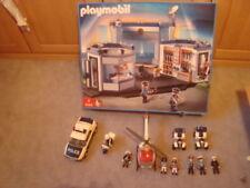 Playmobil Polizei Hauptquartier 4263 +Motorrrad+Polizeihubschrauber + 2 Quads