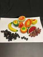 Lot 6 Pieces of Vintage Paper Mache Mexican Fruit Decor Folk Art & Plastic Grape