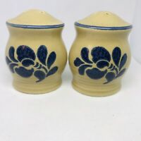 "SALT & PEPPER Shakers PFALTZGRAFF Folk Art Vintage Tan Dark Blue 3.5"" Tall"