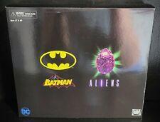 NECA SDCC 2019 Batman vs Aliens (FACTORY SEALED)