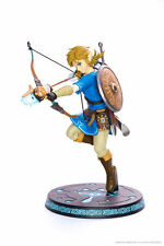 FIRST 4 FIGURES The Legend of Zelda Breath of the Wild Statue Link 25 cm Nintendo