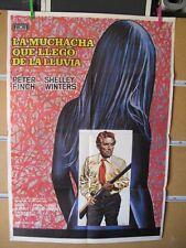 876     LA MUCHACHA QUE LLEGO DE LA LLUVIA PETER FINCH SHELLEY WINTERS