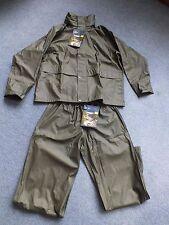 New mens PVC fishing shooting hunting rainsuit size ; medium