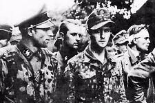 WW2 - Officiers allemands prisonniers des Britanniques en juillet 1944