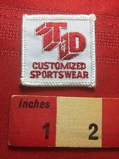 Small Square T & D CUSTOMIZED SPORTSWEAR Advertising Patch C76Q