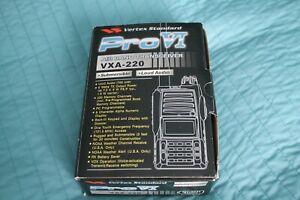 VERTEX VXA-220 AIR BAND TRANSCEIVER