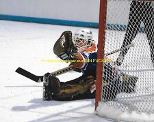 ANDY MOOG Big GLOVE SAVE 8x10 Photo EDMONTON OILERS GOALIE GREAT~372 WINS~3 CUPS