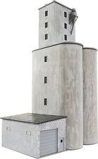 4047 Walthers Cornerstone Praire Co-Op Concrete Grain Elevator HO Scale