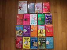 Joanne Fluke Lot 19 Pbs Hannah Swenson 1 – 17 + 2 Short Stories with Recipes!