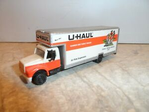 HO SCALE  U HAUL MOVING TRUCK IOWA