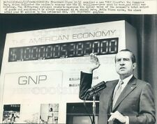 1970 Press Photo Pres Richard Nixon With Gross National Product GNP Clock