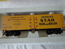 VINTAGE LIFE-LIKE  HO SCALE WOODSIDED REEFER CAR ARMOUR'S STAR HAM AND BACON
