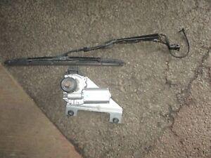 06 GMC ENVOY OEM REAR WINDSHIELD WIPER MOTOR + MOUNTING BRACKET & ARM 15229806