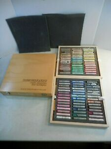 REMBRANDT Artists Soft Pastels BV Royal Talens BV Holland 90 PC* in Wood Box