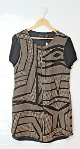 WISH Black & Gold Patterned Zipper Neckline Trapeze Dress Size 12 Size M