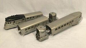 Lionel Set No. 5224E With Nos. 616E, 617, 618 Flying Yankee, Aluminum/Black