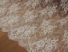 """Vestido de boda 59"""" traje de novia para cubrían Off White CHANTILLY Bridal Lace Tela 1 y"""