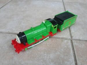 Thomas Trackmaster Henry Train with linked tender, battery operated. Old style