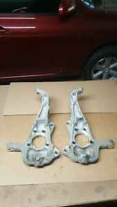 19- 2020 Chevrolet Silverado 1500 OEM Right Left KNUCKLE 84453669 / 84453668 set
