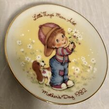 Mothers Day 1982 Little Things Mean A Lot, Collectors Plate, Avon, No Chips Used