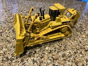 Norscot Caterpillar D11R Track Type Dozer 1/50th Scale Collectible Die-Cast