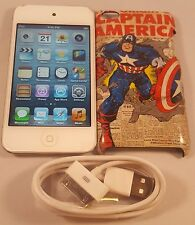 White Apple iPod Touch 4th Generation (8 GB) Works Great Bundled Charger & Case!