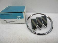 NOS 1986-1987 Buick Lesabre T-Type Front End Panel Emblem GM 25525174 dp