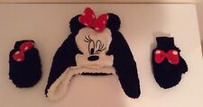Minny Mouse hat and gloves