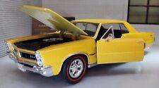 G LGB 1:24 Scale 1965 Pontiac GTO Hardtop V8 22092 Gold Diecast Model Car