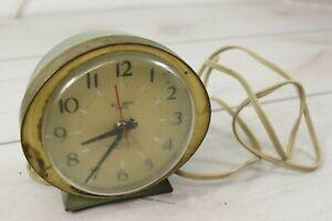Vintage Mid Century Avacado Green Westclox Big Ben Dialite Electric Alarm Clock