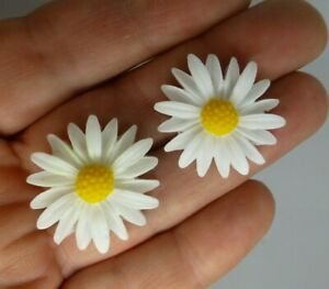 Daisy earrings resin surgical steel  hypo allergenic posts studs in gift box