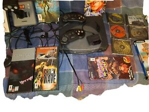 Retro Goldstar 3DO Gaming Console with 17 games and 5 controllers.