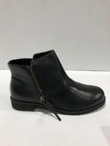 Walking Cradles Kason Womens Booties Black Leather 9 WW