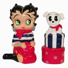 BB9172 Patriotic Betty Boop and Pudgy Shopping Magnetic Salt Pepper Shaker Set