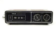 Vintage Flip Clock Radio Woodgrain AM-FM UniMark 113P Tested Works