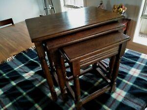 ANTIQUE NEST OF TABLES OAK TABLE SET X 3