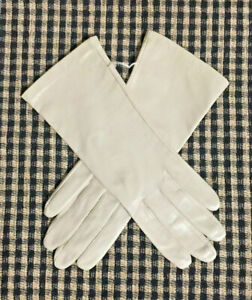 NWOT-WOMENS ISOTONER BEIGE GENUINE KID LEATHER DRESS GLOVES NYLON LINED-SZ 6.5