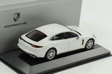Porsche Panamera 4 E-Hybrid G2 carrara weiß 1:43 Herpa WAP Dealer