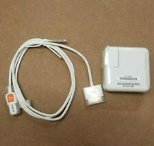 New Apple iPod charger 13V white A1070 A1003 + FireWire 400 to 30-pin sync cable
