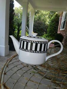 Vintage Black White Teapot by Deco Ciroa Tea party