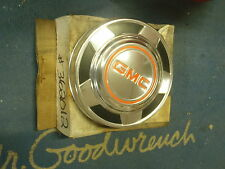 NOS GM 76 78 79 80 81 82 85 87 88 JIMMY SUBURBAN GMC Dog Dish Hubcap Wheel Cover