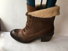 Clarks genuine leather ankle size 4 D brown lace up ladies womens boots shoes