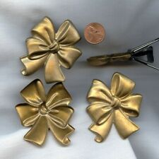 """2 VINTAGE AGED BRASS RIBBON BOW STAMPED 2.5"""" FINDINGS  60"""