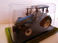 TR60W Tracteur 1/43 universal Hobbies : VALTRA T190 2006 n°55