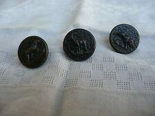 3 boutons  anciens de vénerie