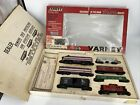 HO SCALE 1:87 VINTAGE VARNEY ACL A & B LOCOMOTIVES, CABOOSE & 4 CARS PRE-OWNED