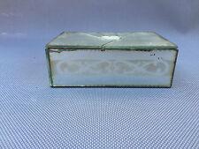 Ancienne boite à bijoux  en verre gravé + bijoux  fantaisie french antique